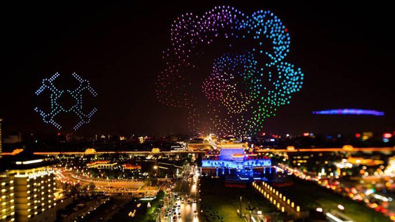 پهبادها آسمان شیان چین را رنگارنگ کردند