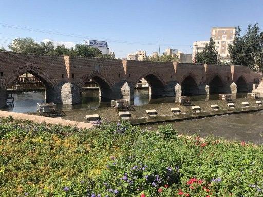 زواید بصری اطراف پل هفت چشمه اردبیل برچیده خواهد شد