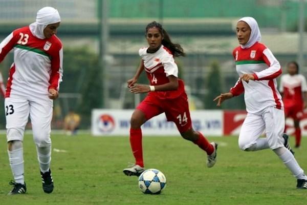 فوتبال زنان، در جستجوی درخشش ، خسرویار راه کی روش را می رود