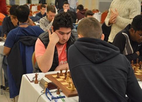 خاتمه دور ششم رقابت های آزاد ایروفلوت، پیروزی مقصودلو و تساوی طباطبایی
