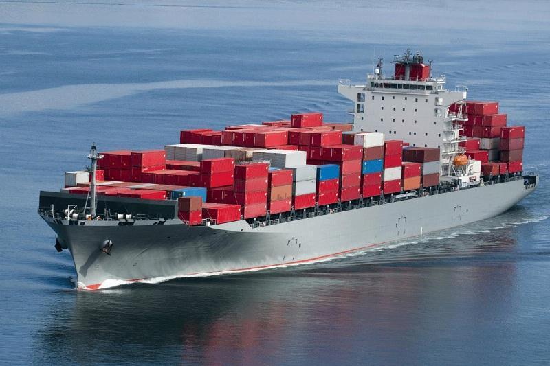 امارات از تعرض به چهار کشتی تجاری در آبهای این کشور اطلاع داد