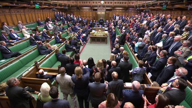 سایه اخراج بر سر شورشی های مجلس انگلیس