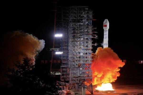 چین 2 ماهواره به فضا فرستاد