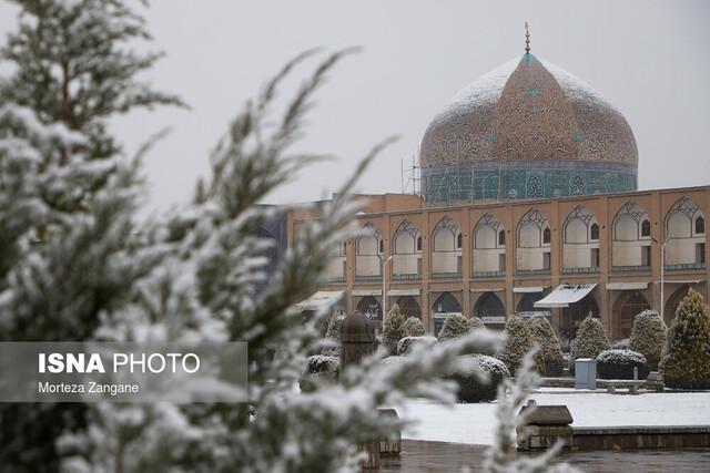 چرا برف روی ترکِ مرمت شدۀ گنبد شیخ لطف الله ننشست؟