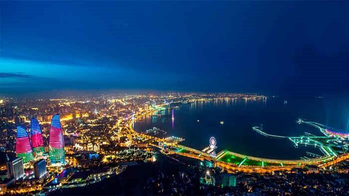 پاییز بهترین زمان سفر به باکو با تور آذربایجان