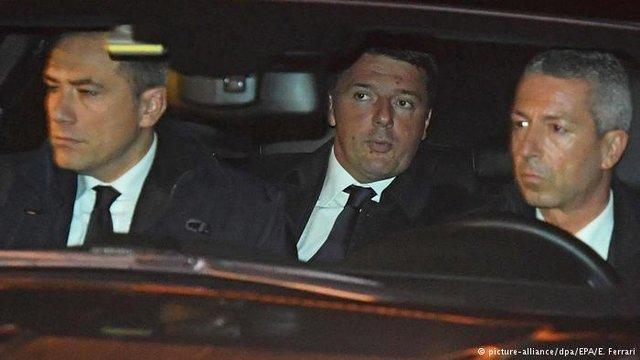 درخواست رئیس جمهوری ایتالیا از رنتزی برای به تاخیر انداختن استعفا