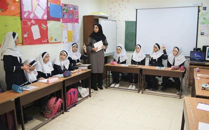 مشاور رئیس سازمان پژوهش: برای کاهش تمرکز، 6 ساعت برنامه ریزی درسی را به مدارس سپرده ایم