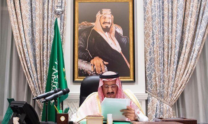 خبرنگاران پادشاه سعودی اعضای هیأت کبار العلماء را تغییر داد