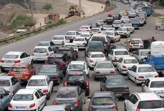 مصادف با ایّام سیاه کرونا؛ در هراز و چالوس ترافیک سنگین است!