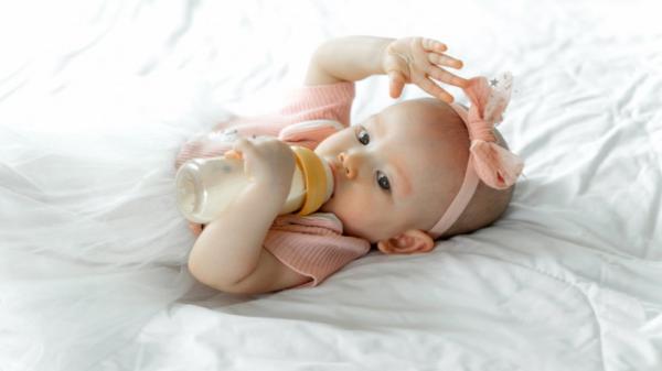 آیا رفلاکس شیر در نوزادان خطرناک است؟