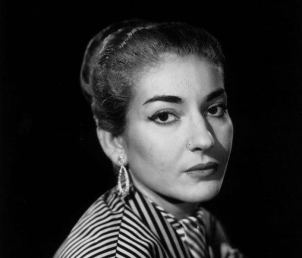 تور یونان ارزان: رونمایی از مجسمه ماریا کالاس در یونان، خواننده زیباروی اپرا که زمانی جوجه اردک زشت مادرش تلقی می شد!